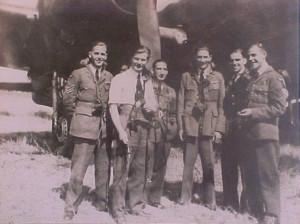 bemanning-Wellington-Sgt.-F.B.-Tipper-is-eerste-van-links-kopie